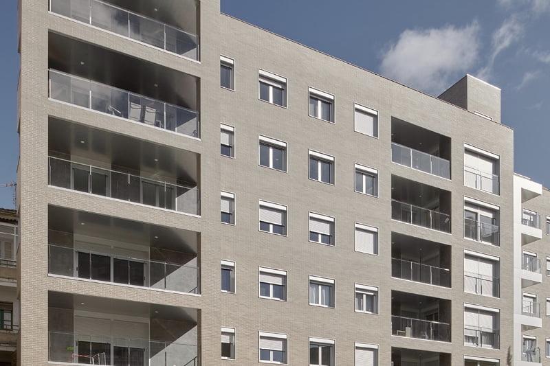 Edificio Tribuna III, Avenida Monreal, 1, Huesca. Año 2019. Fachada posterior.jpg