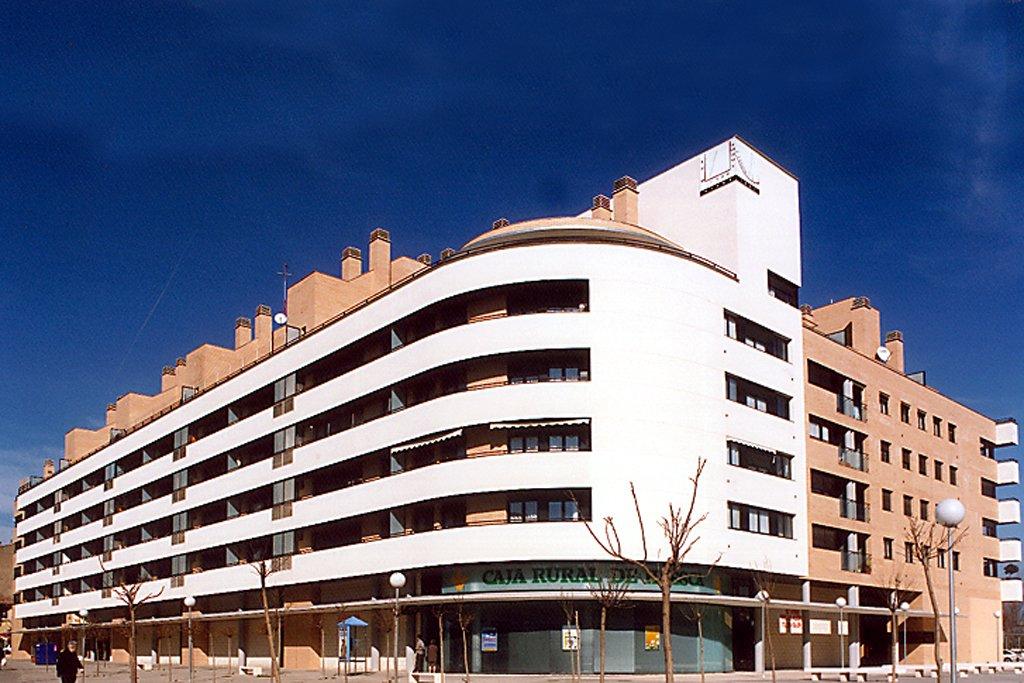 Panorámica edificio Las Míguelas, Huesca.