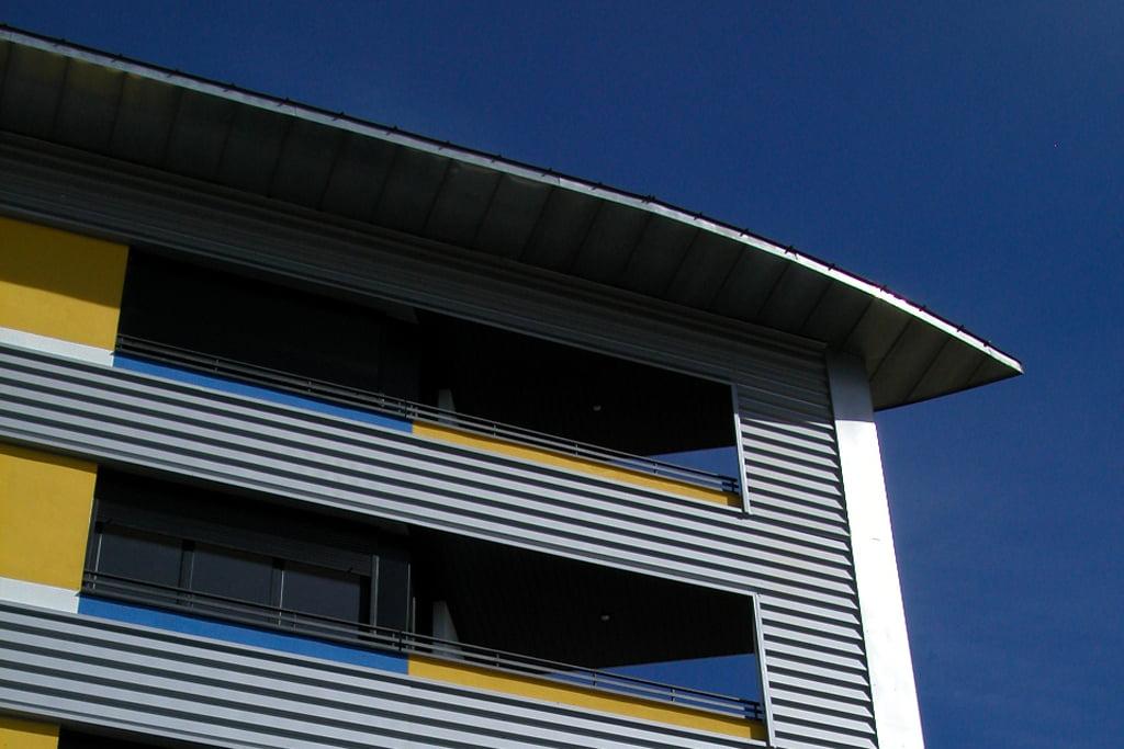 Edificio Ópalo en Jaca, Huesca. Balcón y terraza.